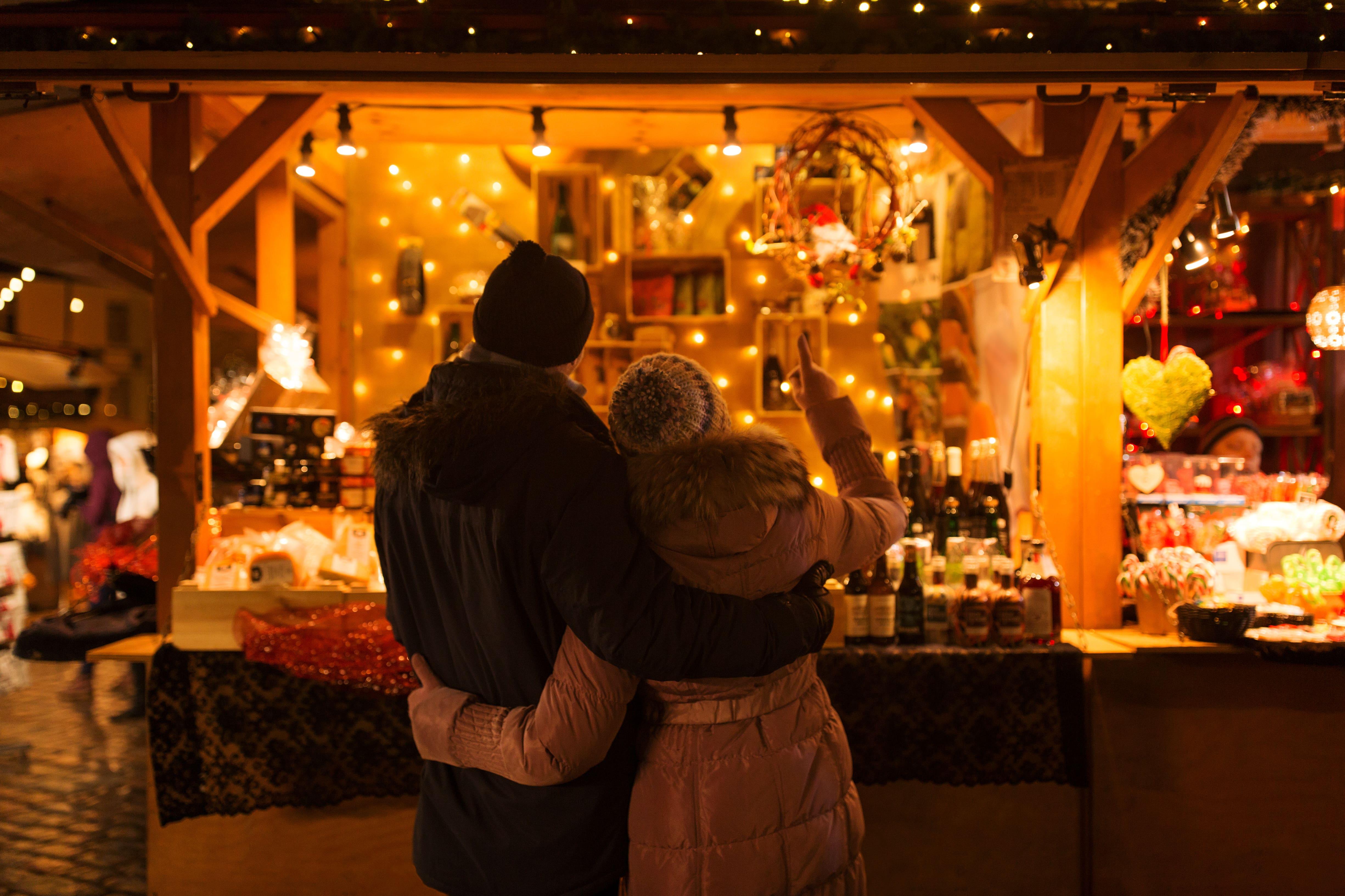 Christmas Shopping, Holidays, Couple, Christmas Lights